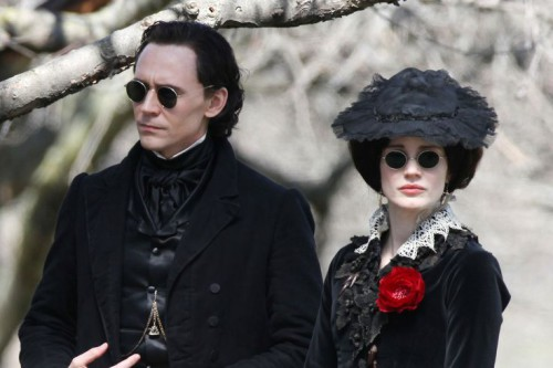 the-first-crimson-peak-teaser-trailer-is-here-and-it-is-epic-image-via-www-gotchamovies-com